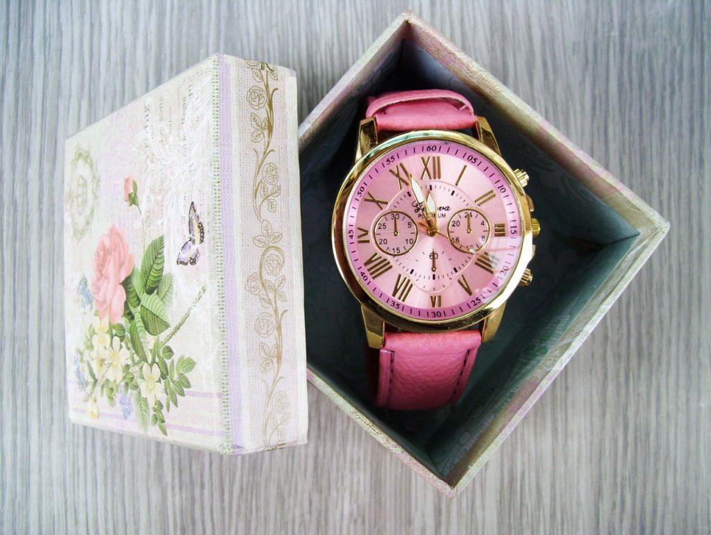 箱を開けたら腕時計